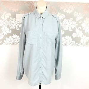 Holding Horses Pearl Snap Chambray Button Down S